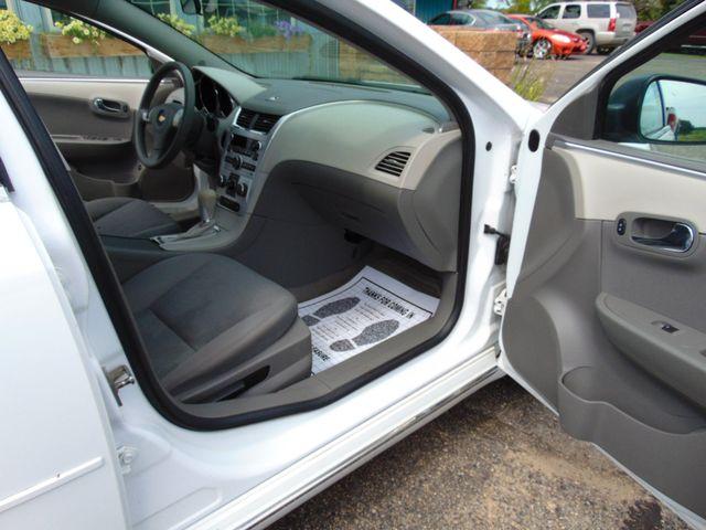 2012 Chevrolet Malibu LS w/1FL Alexandria, Minnesota 24