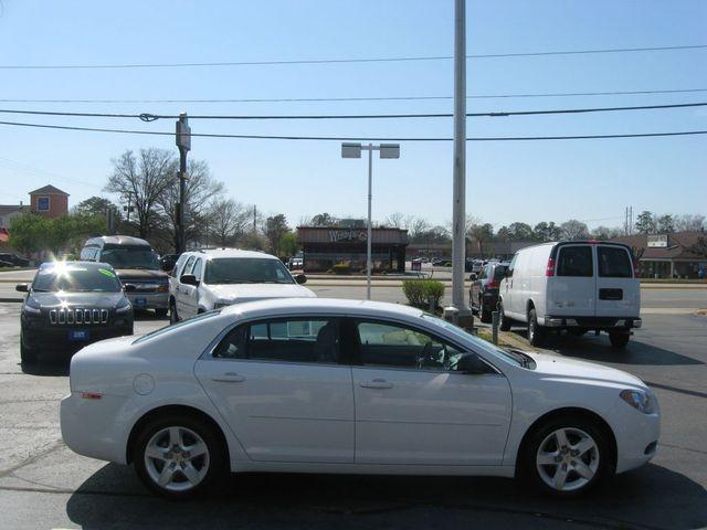 2012 Chevrolet Malibu LS Richmond, Virginia 4