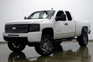 2012 Chevrolet Silverado 1500 LT Z71 Extended Cab 4 Wheel Drive Lifted in Dallas Texas, 75220