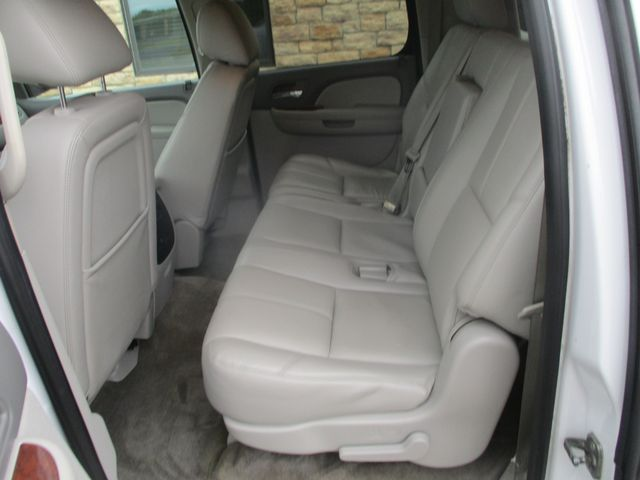 2012 Chevrolet Suburban LT Farmington, MN 3