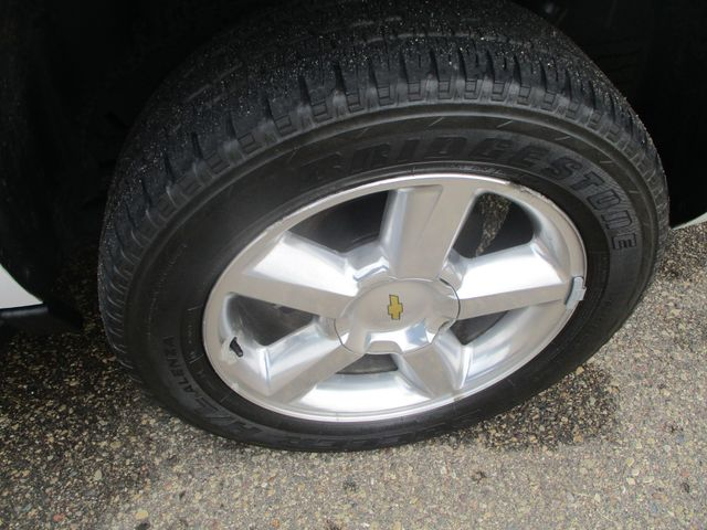2012 Chevrolet Suburban LT Farmington, MN 7