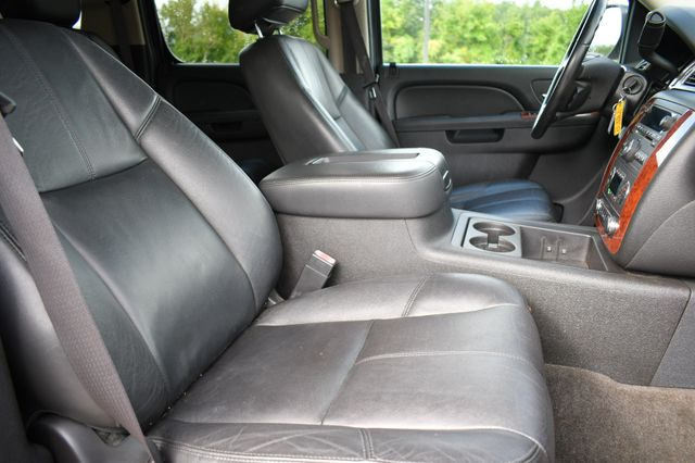 2012 Chevrolet Suburban LT Naugatuck, Connecticut 10