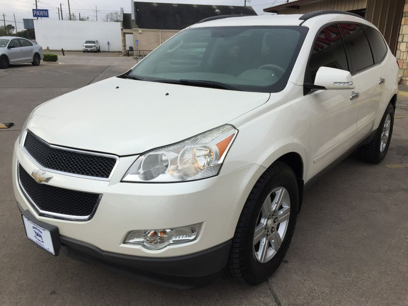 2012 Chevrolet Traverse LT w1LT  Brownsville TX  English Motors  in Brownsville, TX