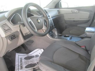 2012 Chevrolet Traverse LT w/1LT Gardena, California 4