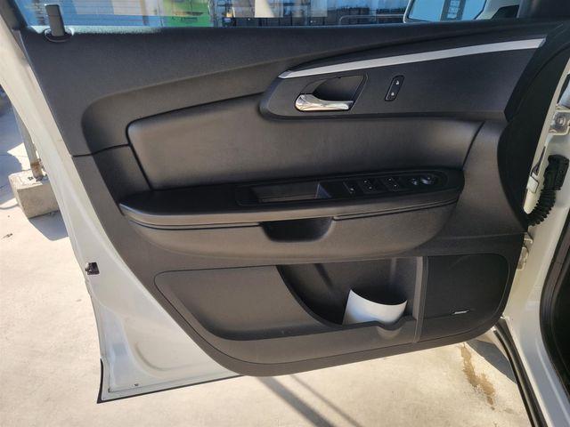 2012 Chevrolet Traverse LT w/2LT Gardena, California 9