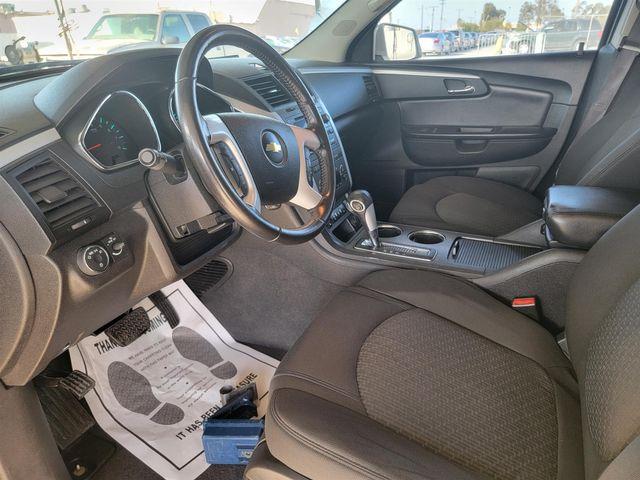 2012 Chevrolet Traverse LT w/2LT Gardena, California 4