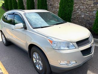 2012 Chevrolet-Carfax Clean! 3rd Row! Traverse-NON SMOKER LT-CARMARTSOUTH.COM in Knoxville, Tennessee 37920