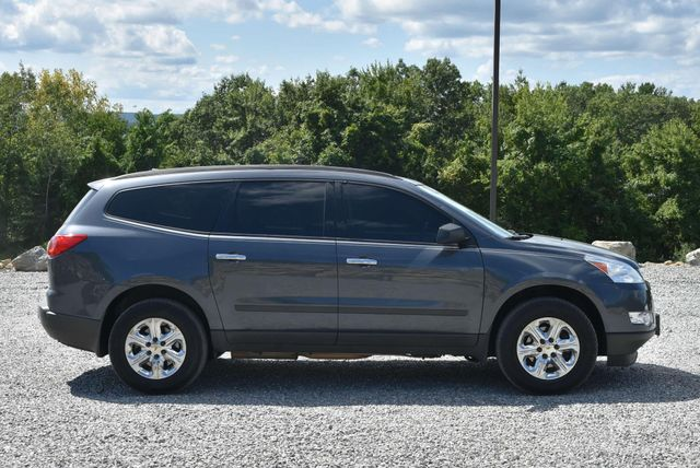 2012 Chevrolet Traverse LS Naugatuck, Connecticut 5