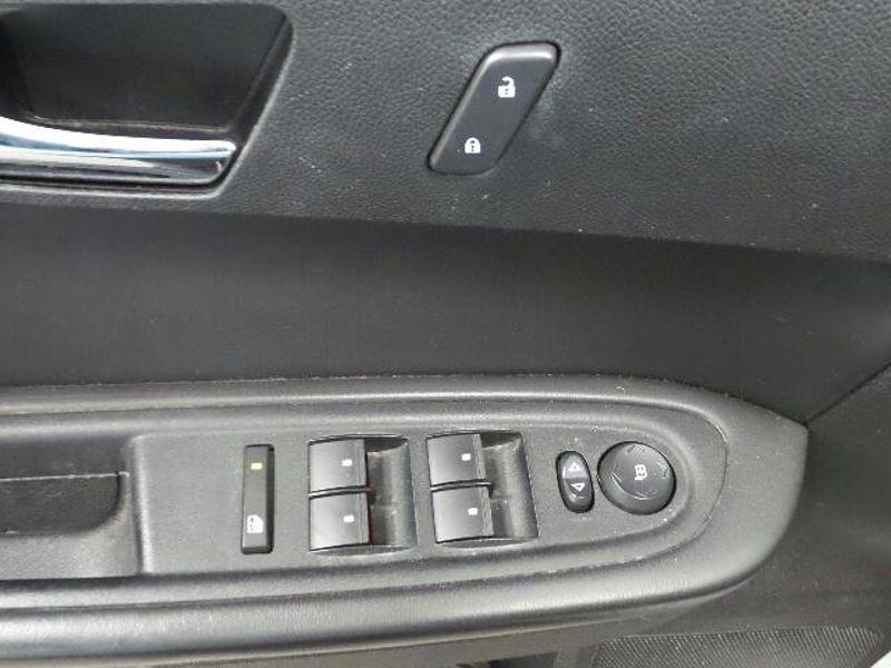 2012 Chevrolet Traverse LT w1LT  in Victoria, MN