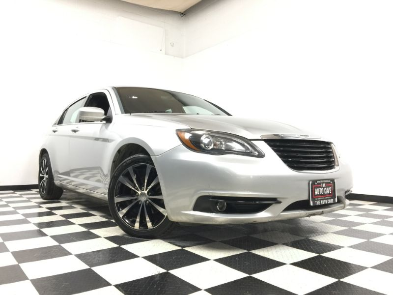 2012 Chrysler 200 *Easy In-House Payments* | The Auto Cave in Addison