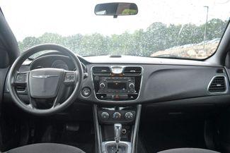 2012 Chrysler 200 LX Naugatuck, Connecticut 9