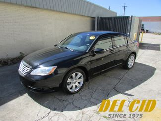 2012 Chrysler 200 LX, Gas Saver! Bluetooth! Clean CarFax! in New Orleans Louisiana, 70119