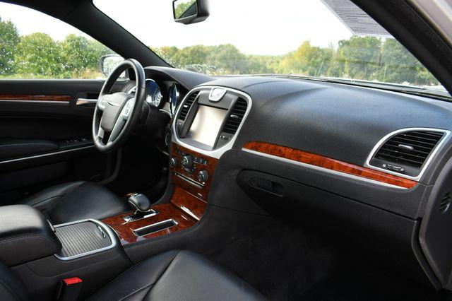 2012 Chrysler 300 Limited Naugatuck, Connecticut 11