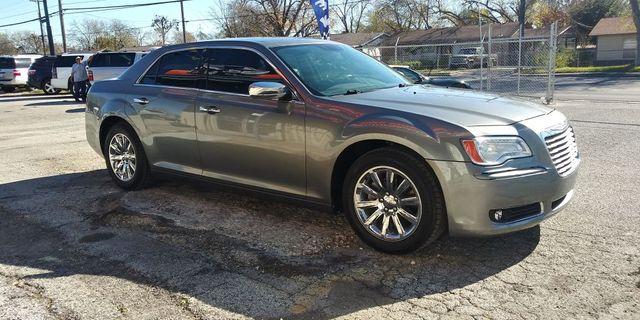 2012 Chrysler 300 Limited in San Antonio, TX 78237