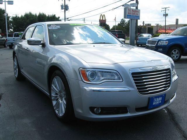 2012 Chrysler 300C Luxury Richmond, Virginia 3