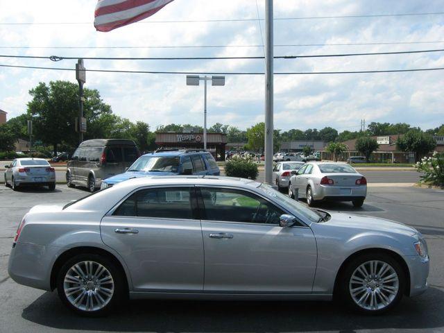 2012 Chrysler 300C Luxury Richmond, Virginia 4