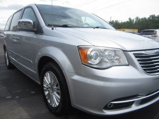 2012 Chrysler Town & Country Limited Batesville, Mississippi 8