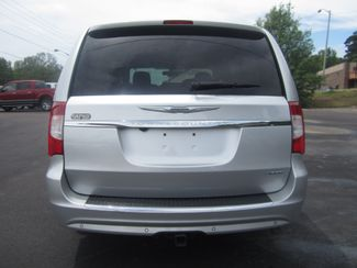 2012 Chrysler Town & Country Limited Batesville, Mississippi 11