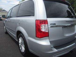2012 Chrysler Town & Country Limited Batesville, Mississippi 12