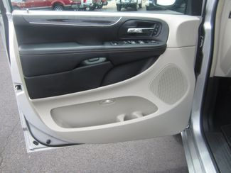 2012 Chrysler Town & Country Limited Batesville, Mississippi 19