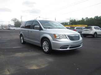 2012 Chrysler Town & Country Limited Batesville, Mississippi 2