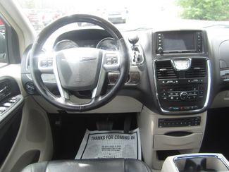 2012 Chrysler Town & Country Limited Batesville, Mississippi 23