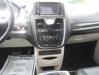 2012 Chrysler Town & Country Limited Batesville, Mississippi 24