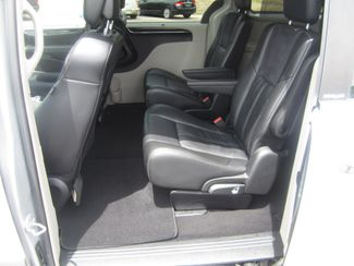 2012 Chrysler Town & Country Limited Batesville, Mississippi 31