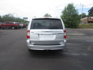2012 Chrysler Town & Country Limited Batesville, Mississippi 5