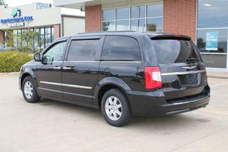 2012 Chrysler Town & Country Touring LWB DVD PLAYER Conway, Arkansas 1