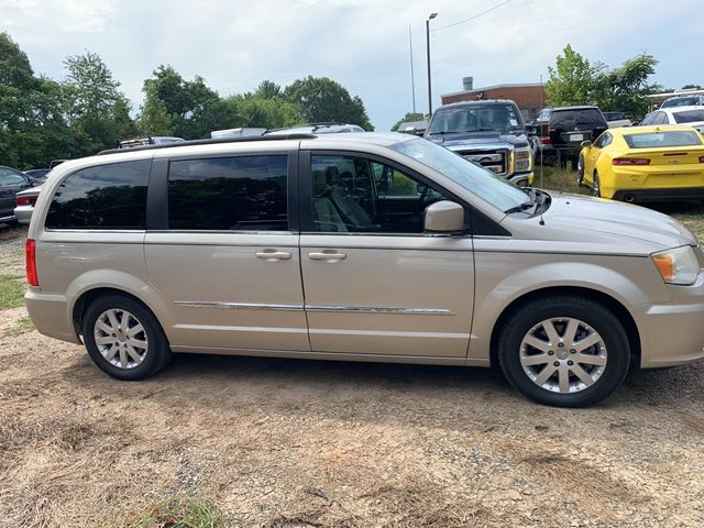 2012 Chrysler Town & Country Touring Madison, NC 4