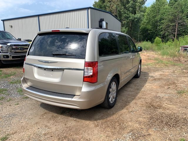 2012 Chrysler Town & Country Touring Madison, NC 5