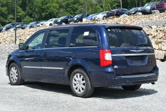 2012 Chrysler Town & Country Touring Naugatuck, Connecticut 2