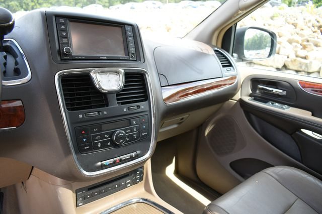 2012 Chrysler Town & Country Limited Naugatuck, Connecticut 13