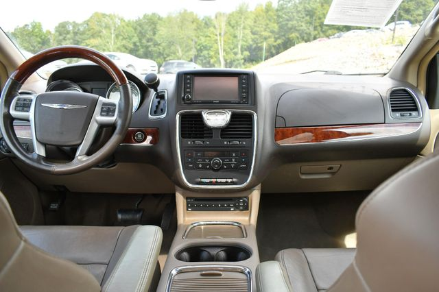 2012 Chrysler Town & Country Limited Naugatuck, Connecticut 7