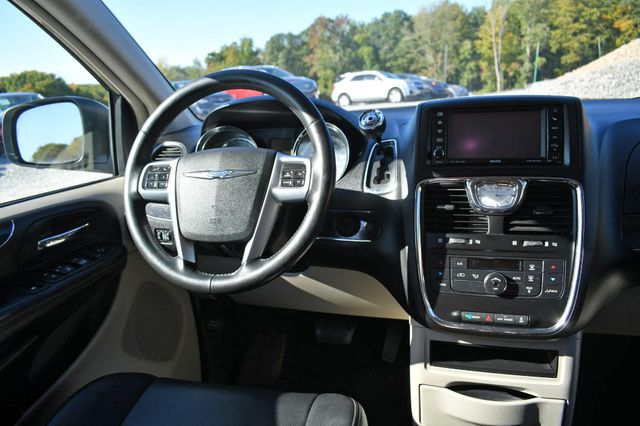 2012 Chrysler Town & Country Touring Naugatuck, Connecticut 15