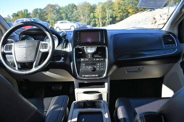 2012 Chrysler Town & Country Touring Naugatuck, Connecticut 16