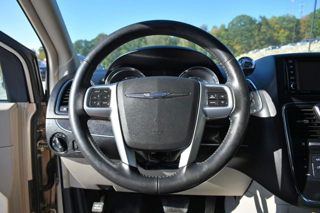 2012 Chrysler Town & Country Touring Naugatuck, Connecticut 21