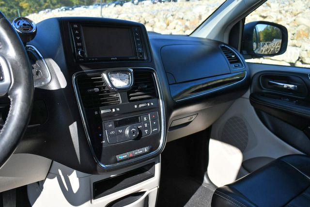2012 Chrysler Town & Country Touring Naugatuck, Connecticut 22