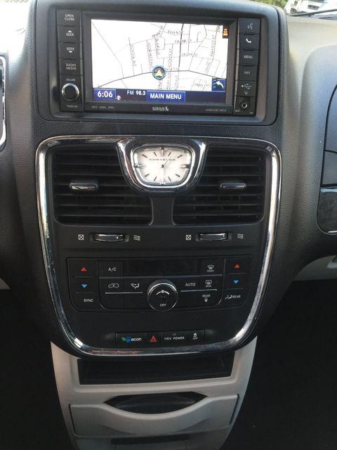 2012 Chrysler Town & Country Touring Navigation/DVD New Brunswick, New Jersey 14