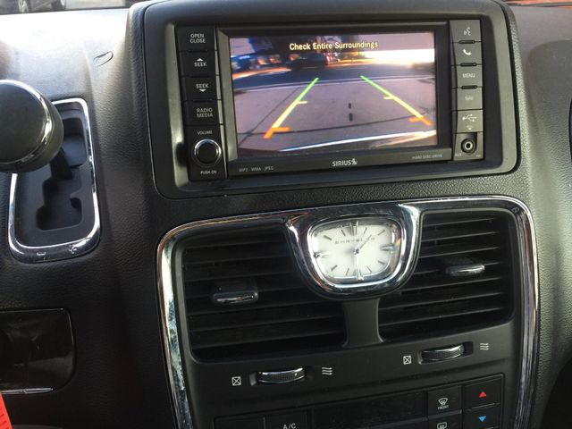 2012 Chrysler Town & Country Touring Navigation/DVD New Brunswick, New Jersey 16