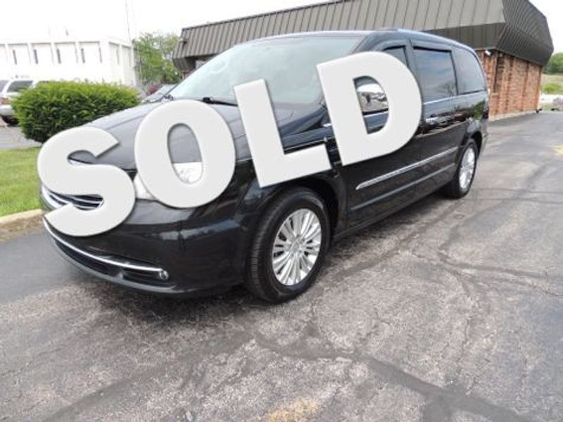 2012 Chrysler Town & Country Limited in Pewaukee WI
