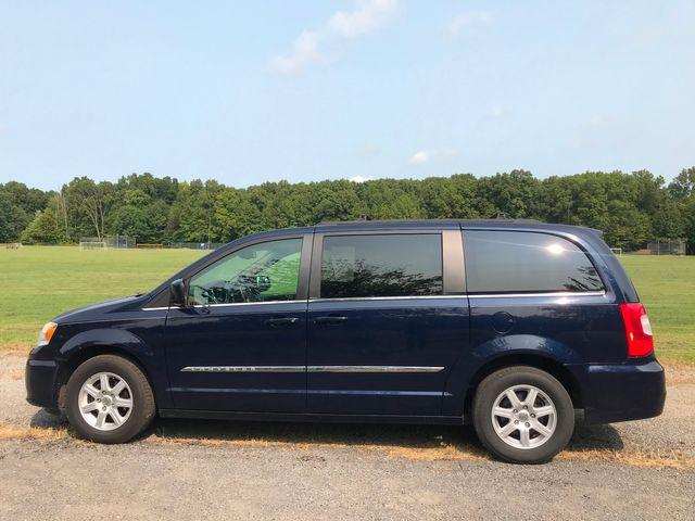 2012 Chrysler Town & Country Touring Ravenna, Ohio 1
