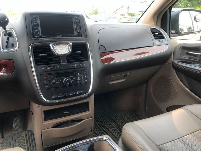 2012 Chrysler Town & Country Touring Ravenna, Ohio 10