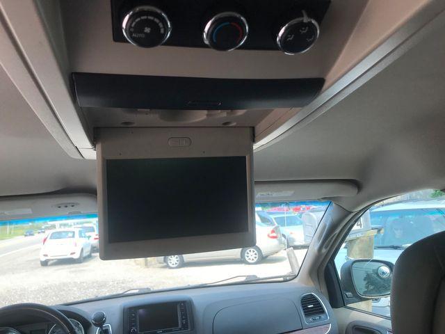 2012 Chrysler Town & Country Touring Ravenna, Ohio 11