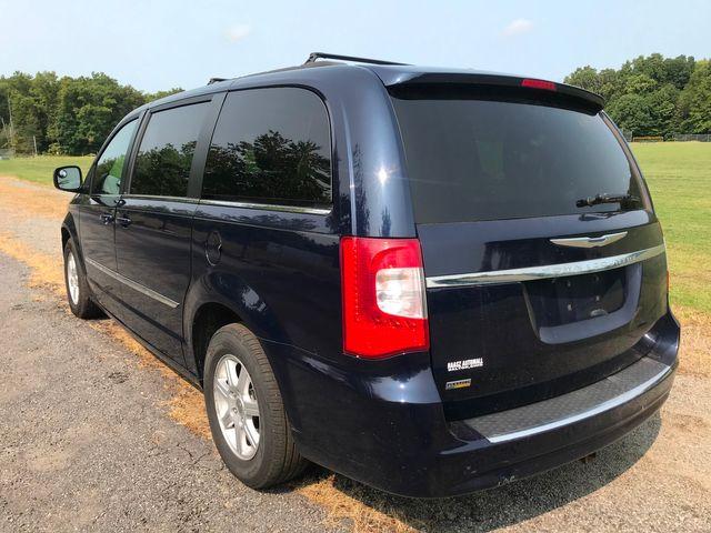 2012 Chrysler Town & Country Touring Ravenna, Ohio 2