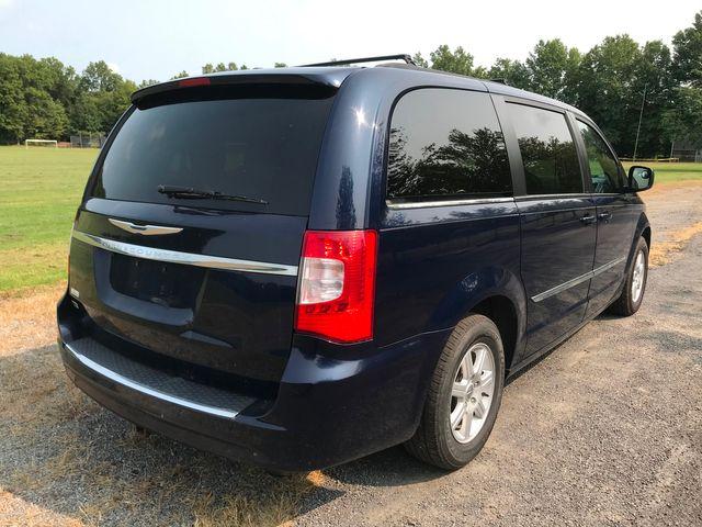 2012 Chrysler Town & Country Touring Ravenna, Ohio 3