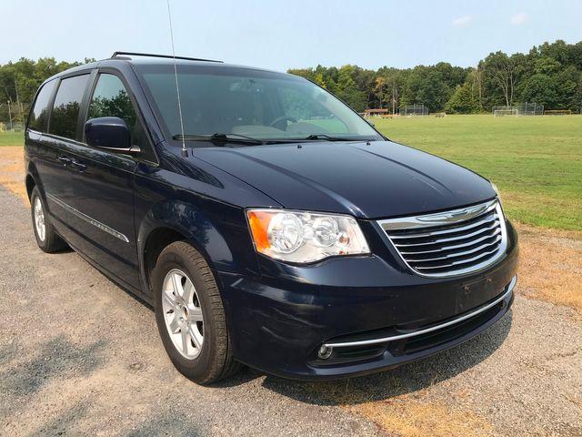 2012 Chrysler Town & Country Touring Ravenna, Ohio 5