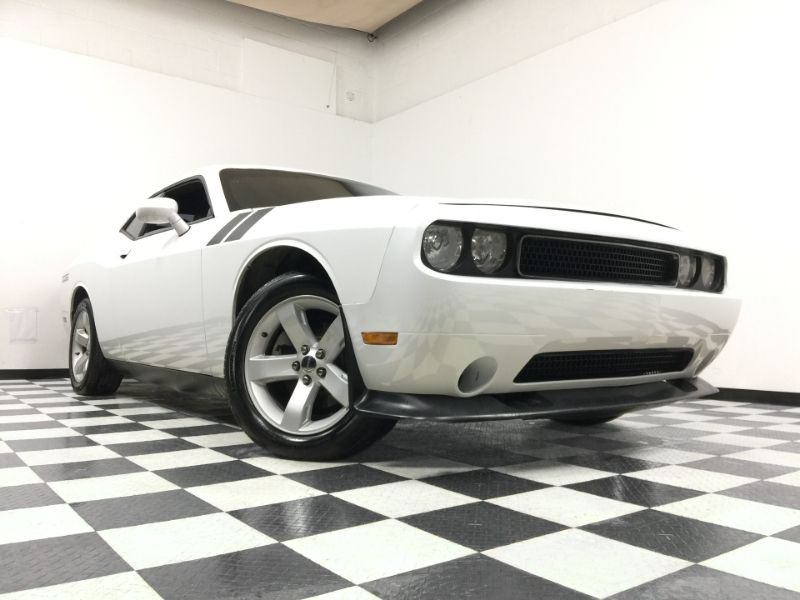 2012 Dodge Challenger *Simple Financing* | The Auto Cave in Addison