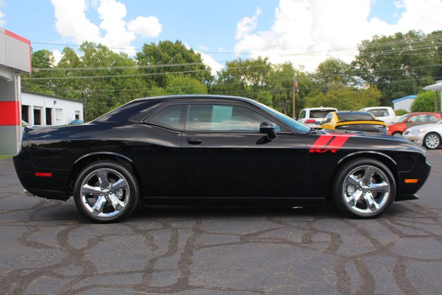 "2012 Dodge Challenger R/T RWD - LEATHER - 20"" WHEELS - 6SP MANUAL! Mooresville , NC 16"
